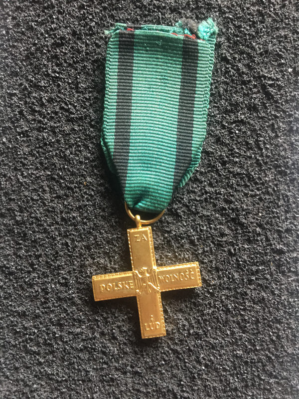 Krzyż partyzantom