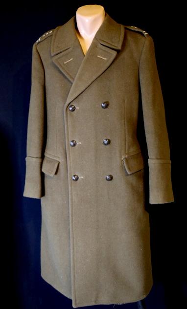 wojskowy płaszcz zimowy