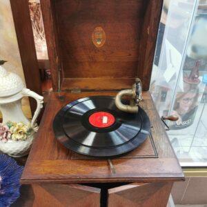 Gramofon grający